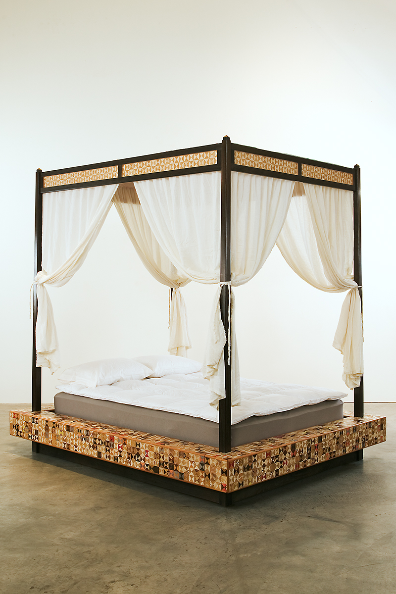 Hourglass Bed